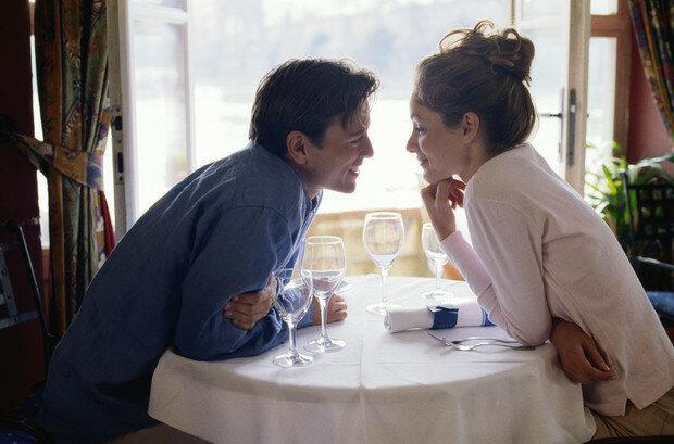 5 интересных способов определить, что он в вас влюблен