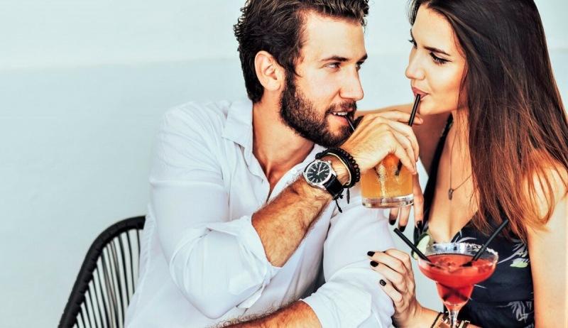 Женщины рассказали о том, какое мужское поведение привлекает их больше всего.