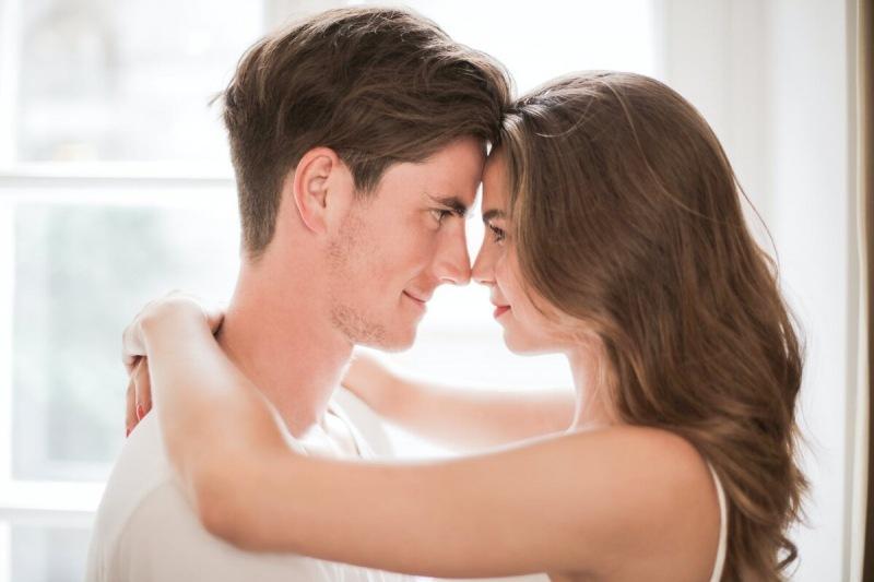Как заинтересовать и влюбить в себя девушку или женщину: совет психолога