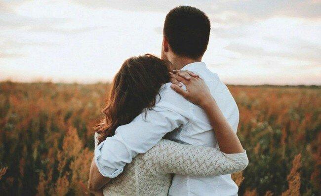 3 тонких качества, которые делают женщину «драгоценной» для мужчины