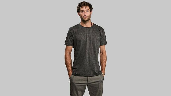 Британский стартап создал футболку, которая будет улавливать углекислый газ более 100 лет. Вот как это выглядит