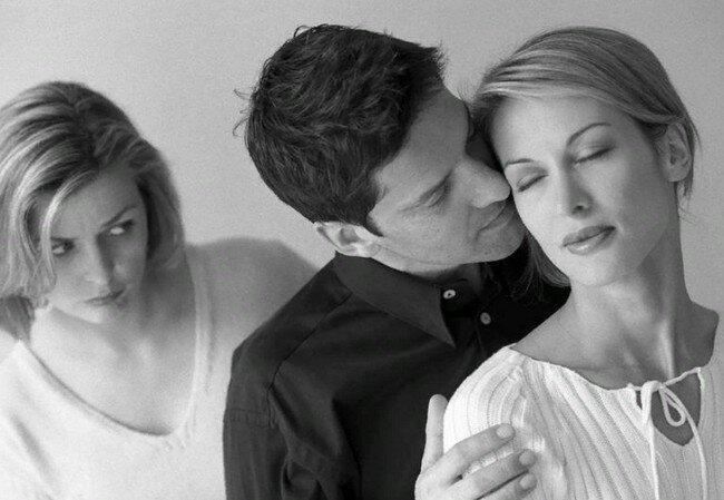 «Преданные неверные жены»: 3 мифа о предательстве, усиливающие боль и негодование